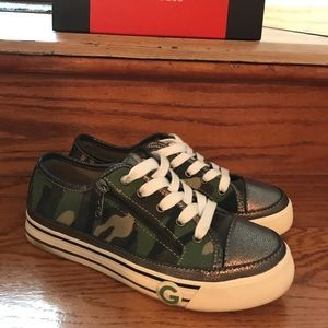 Guess camouflage sneakers